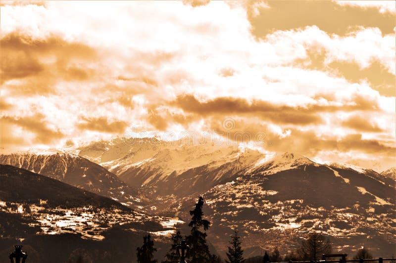 Schweizer Alpen stockfotos