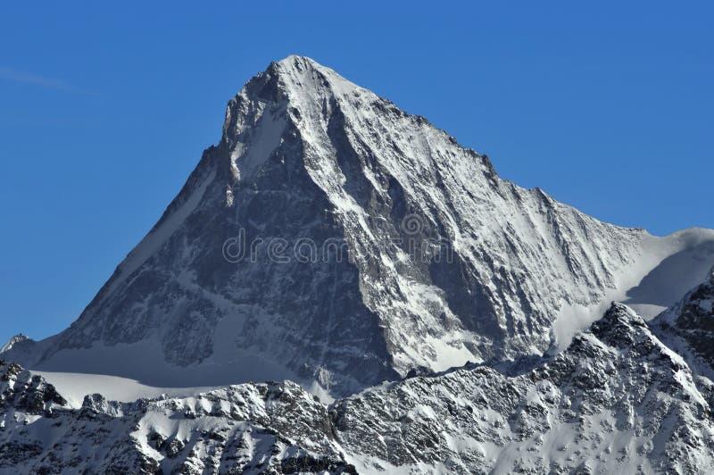 Schweizer Alpen: Die Einbuchtung Blanche lizenzfreie stockfotografie