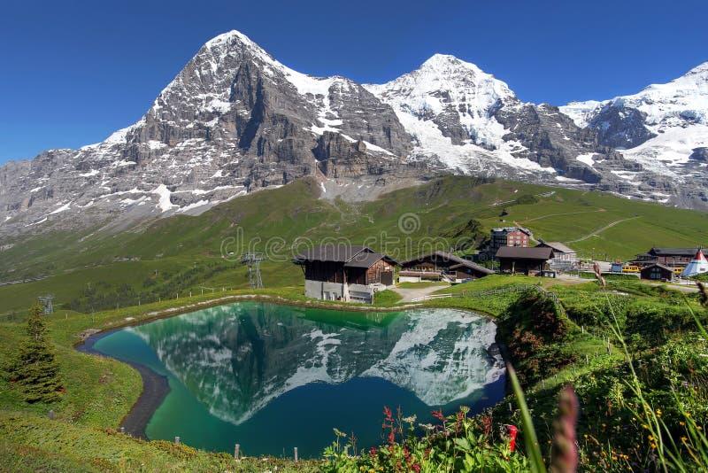 Schweizer Alpen-Landschaft stockfotografie