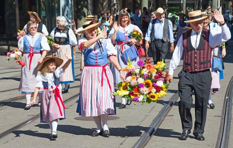 Schweizer Nationaltagparade in Zürich lizenzfreie stockfotos