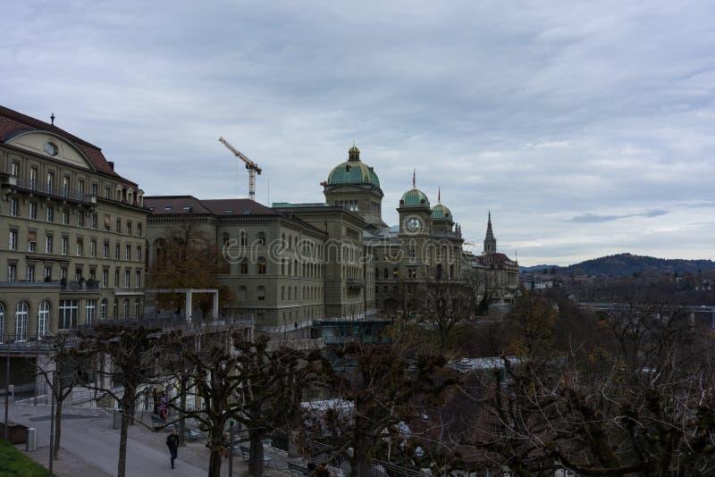 Schweizer Parlaments-Gebäude nannte Bundeshaus in Bern stockfotografie
