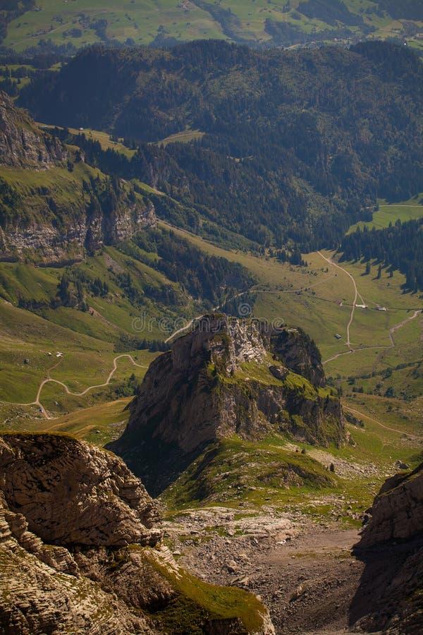 Schweizisk alpessikt arkivfoton