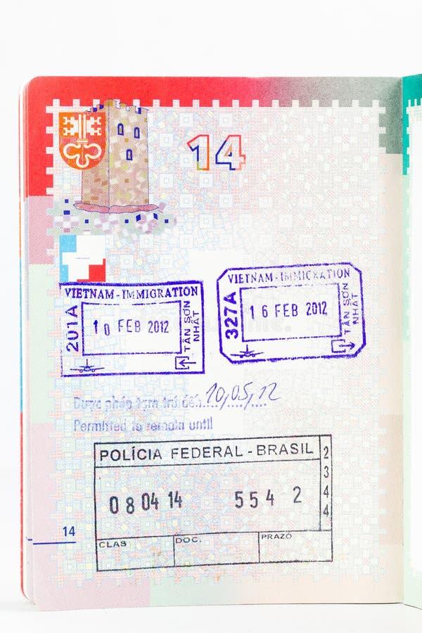 Schweizisk passsida med visumstämplar fotografering för bildbyråer