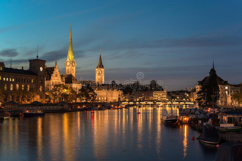 Schweizisk Stad Zurich Kort Forr Gryning Arkivfoto Bild Av