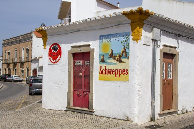 Schweppes annonsering och Algarve arkivbilder