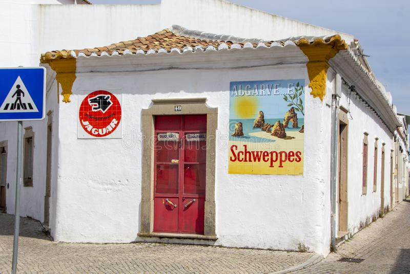Schweppes annonsering och Algarve royaltyfri fotografi