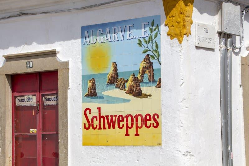 Schweppes annonsering och Algarve arkivbild