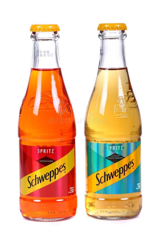 Schweppes Spritz den Jazzy ingefäran, och Schweppes Spritz Aperitivo arkivfoton