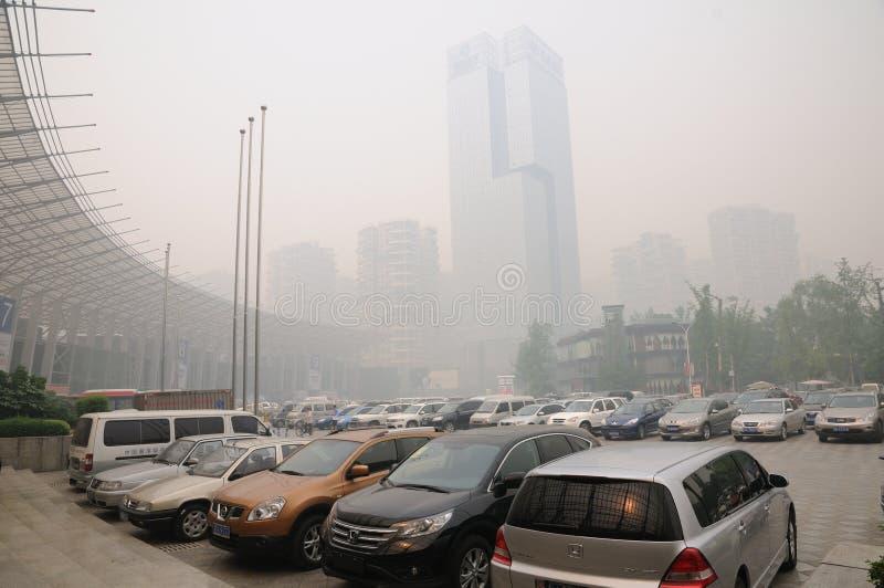 Schwere Luftverschmutzung in Chengdu (China) lizenzfreies stockfoto