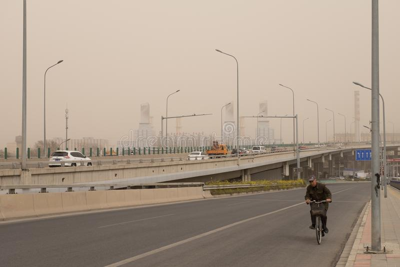 Schwere Smogverschmutzung schlägt Peking, China stockbilder