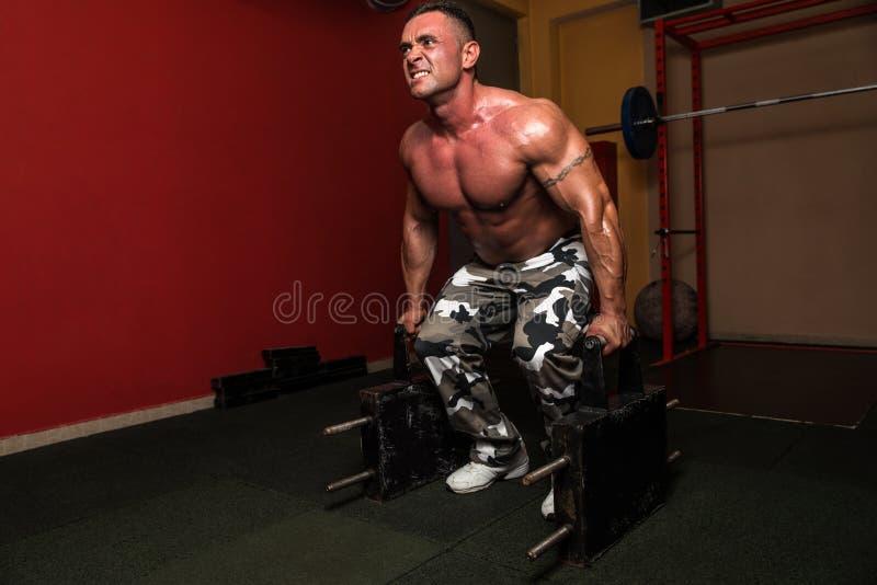 Schwergewicht Deadlift lizenzfreie stockfotos
