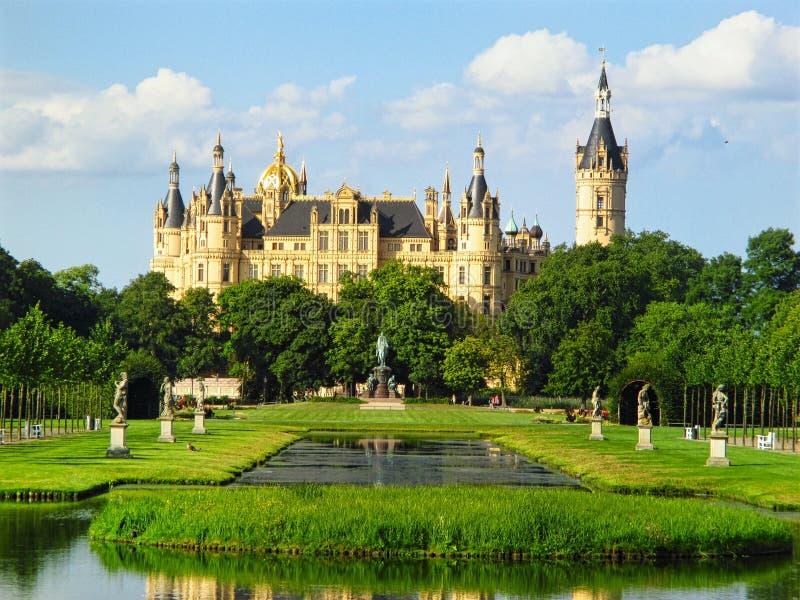 Schwerin pałac z ogródem w Niemcy fotografia royalty free