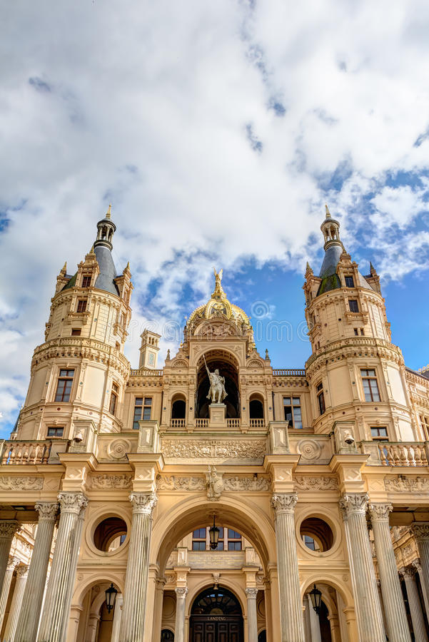 Schwerin-Palast in der romantischen Historicismarchitekturart lizenzfreie stockfotos