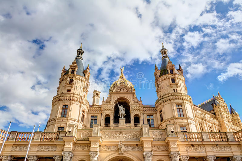 Schwerin-Palast in der romantischen Historicismarchitekturart stockbilder