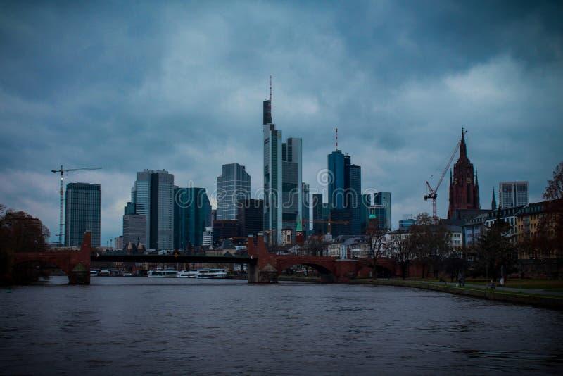 Schwermütige Stadt stockbilder
