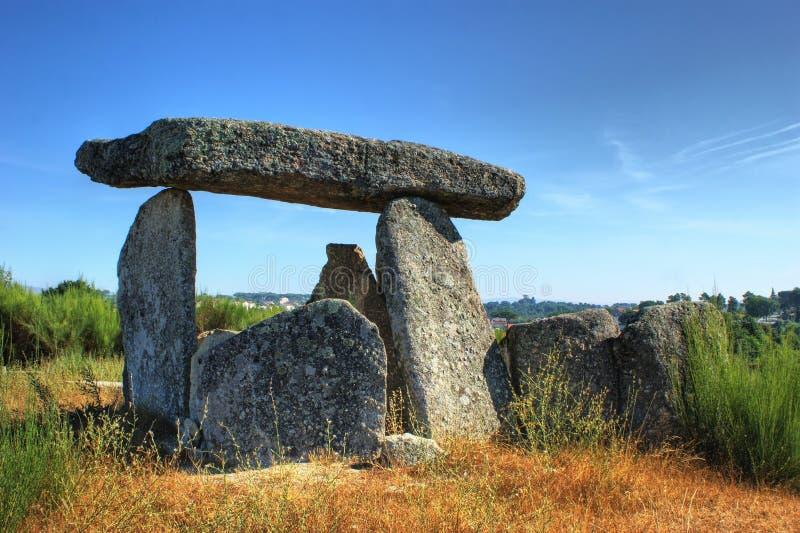 Schwertwal-EM Gouveia Dolmen Pedra DA lizenzfreies stockbild