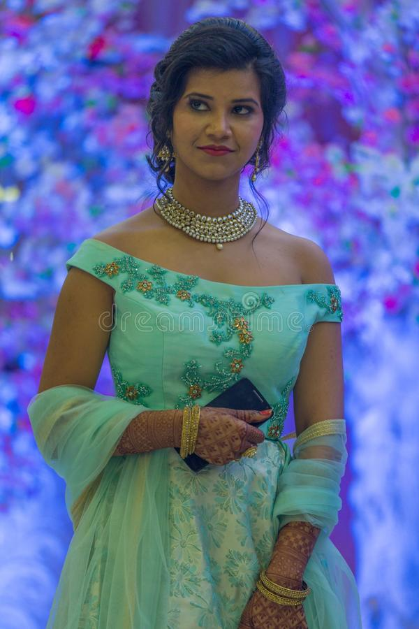 Schwester der Braut stockbilder