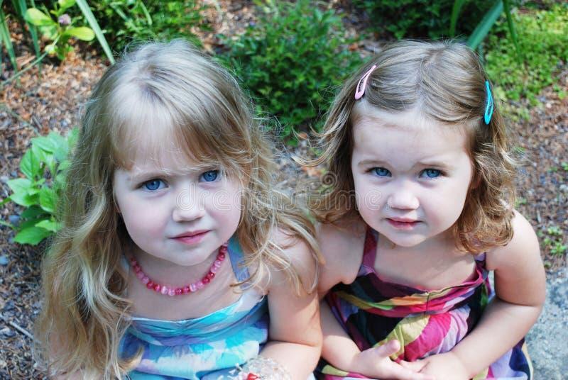 Schwestern lizenzfreie stockfotos