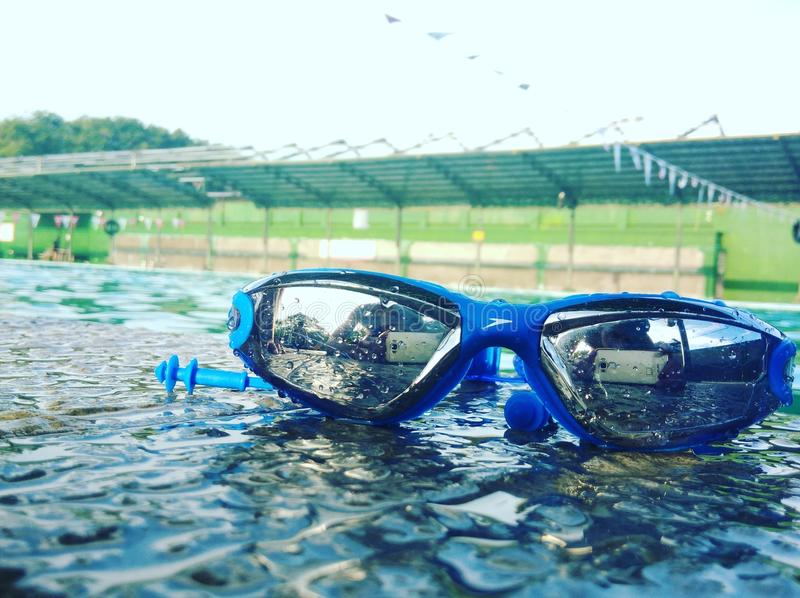 Schwimmen Goggless stockbilder