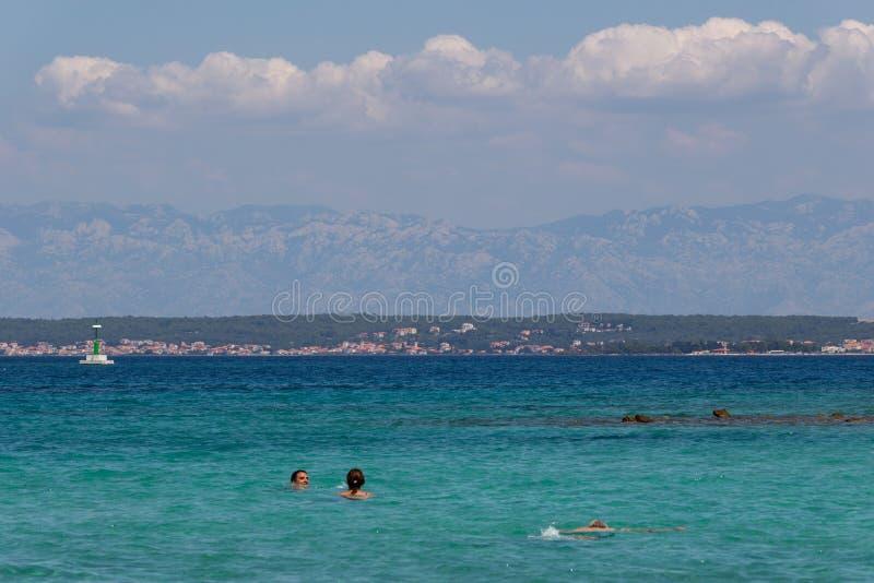 Schwimmen in Ugljan Kroatien Dalmatien stockbilder