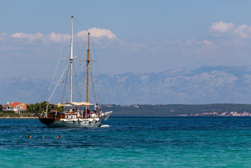 Schwimmen in Ugljan Kroatien Dalmatien stockfoto