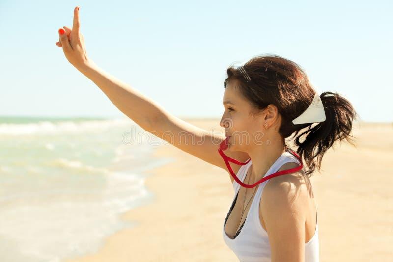 Schwimmertraining, das Aufmerksamkeit erregt stockbild