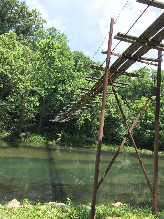 Schwingbrücke lizenzfreie stockfotografie