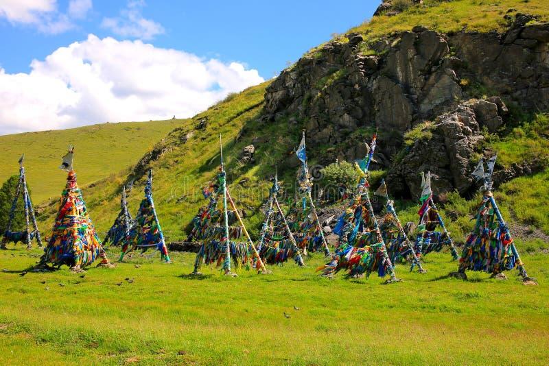 Sciamano Adak Tree, la bandiera della preghiera fotografia stock libera da diritti