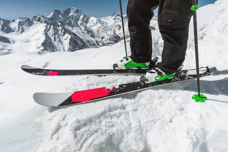 quality design 64a8a a4cec Sciatore Delle Gambe In Scarponi Da Sci Immagine Stock ...