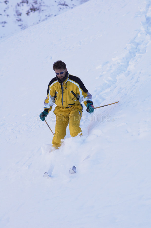 Sciatore della montagna fotografie stock libere da diritti