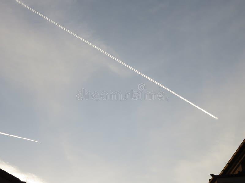 Scie di aerei fotografie stock