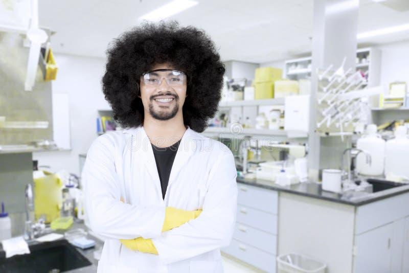 Scienziato maschio sicuro fotografia stock
