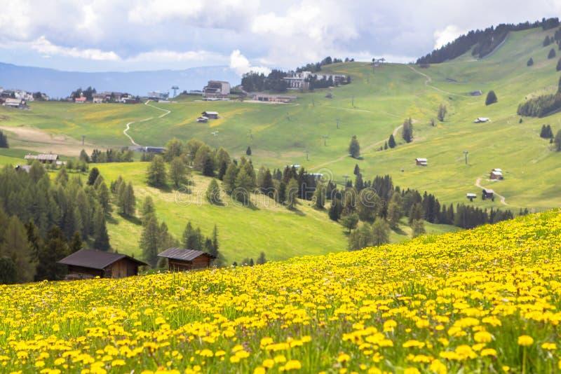 Sciliar en las nubes, el Tyrol del sur, Italia foto de archivo libre de regalías