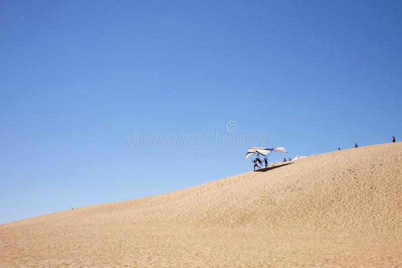 Scivolare di caduta dalle dune di sabbia immagine stock libera da diritti
