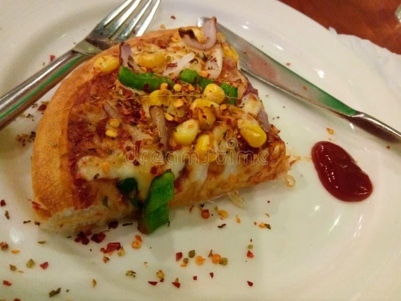 Sclice de la pizza del Veggie fotografía de archivo