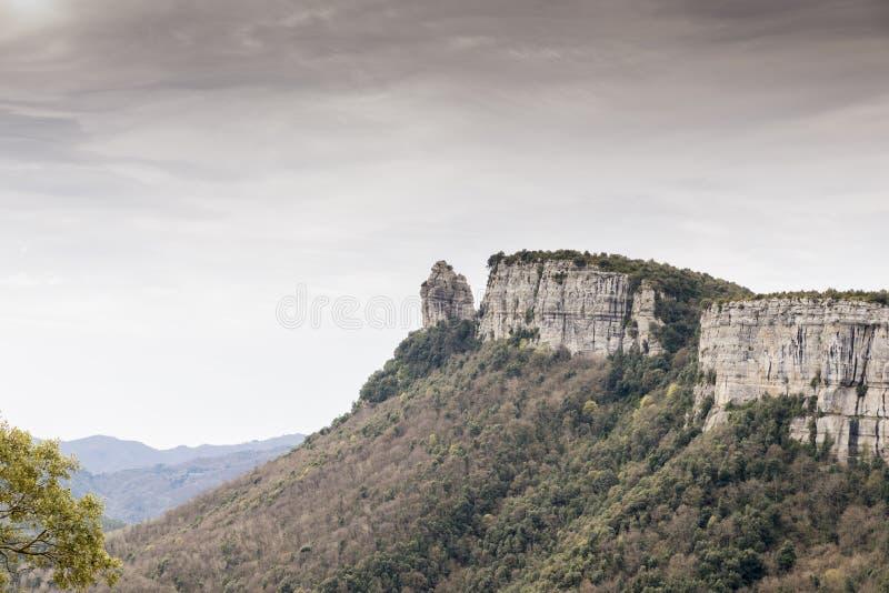 Scogliere della montagna fotografie stock libere da diritti