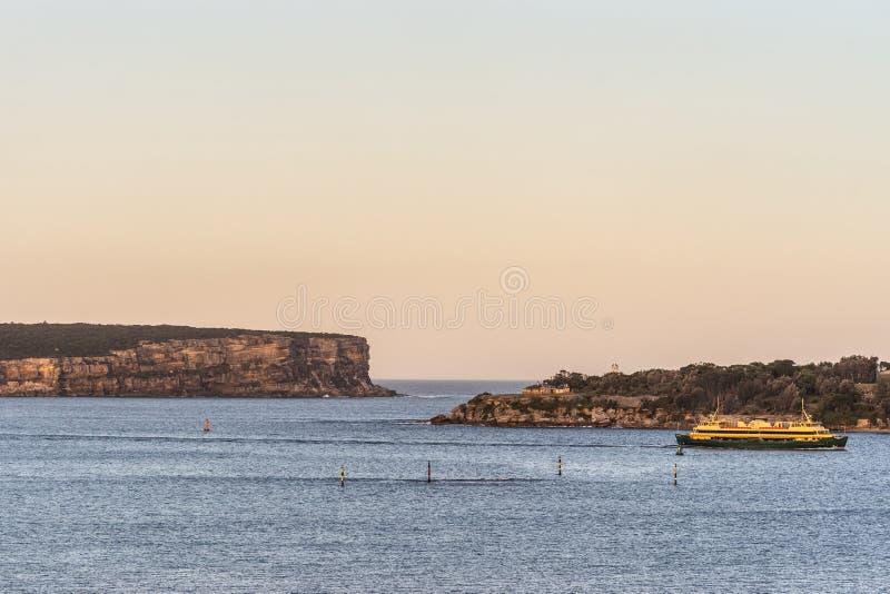 Scogliere della testa di nord e sud al portone di mare, Sydney Australia immagine stock libera da diritti