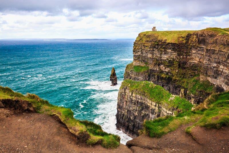 Scogliere di Moher, Irlanda Oceano Atlantico immagini stock libere da diritti