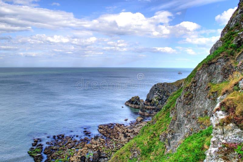 Scogliere sceniche dell'Irlanda in Howth immagine stock libera da diritti