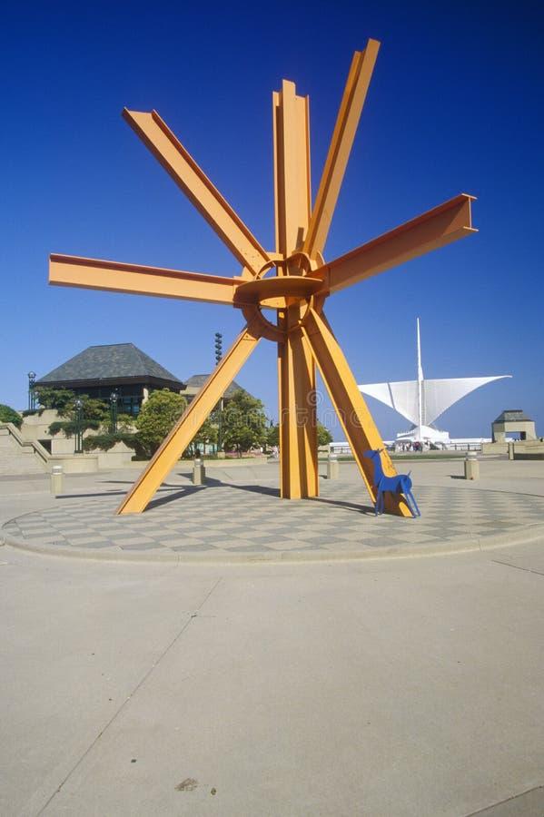 Scolpisca l'esterno di Milwaukee Art Museum sul lago Michigan, Milwaukee, WI immagine stock