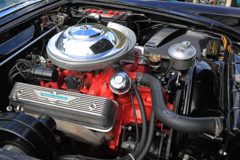 Scompartimento di motore classico dell'automobile fotografia stock libera da diritti