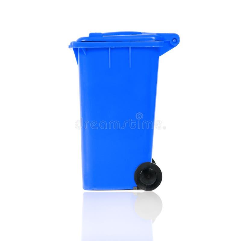 Scomparto di riciclaggio blu vuoto fotografia stock libera da diritti