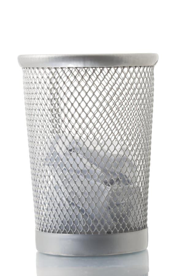 Scomparto di rifiuti della maglia con un certo documento fotografia stock libera da diritti