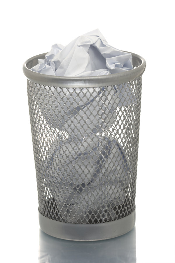 Scomparto di rifiuti della maglia in pieno di documento immagine stock