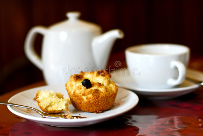 Scones und Tee stockfotos