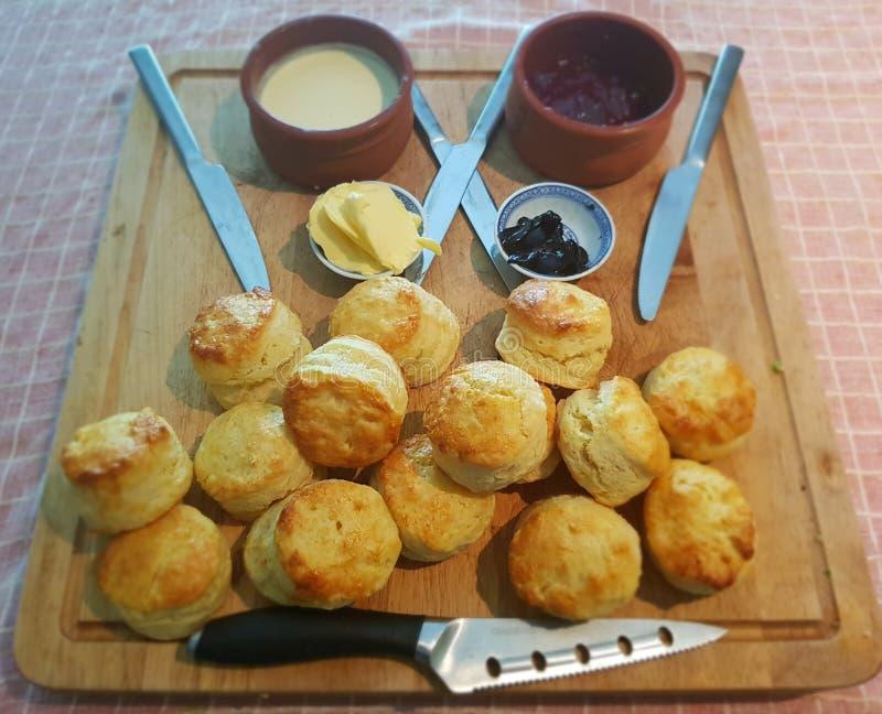 Sconeser för frukost arkivfoto