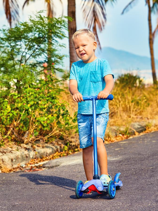 Scooter d'équitation d'enfant photos libres de droits
