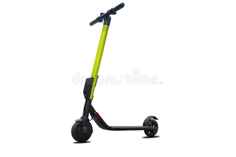 Scooter moderne de coup-de-pied électrique d'isolement sur le fond blanc photo stock