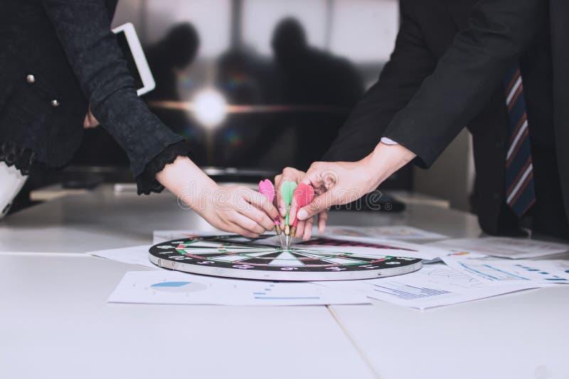 Scopo di affari e concetto dell'obiettivo di lavoro di squadra fotografie stock