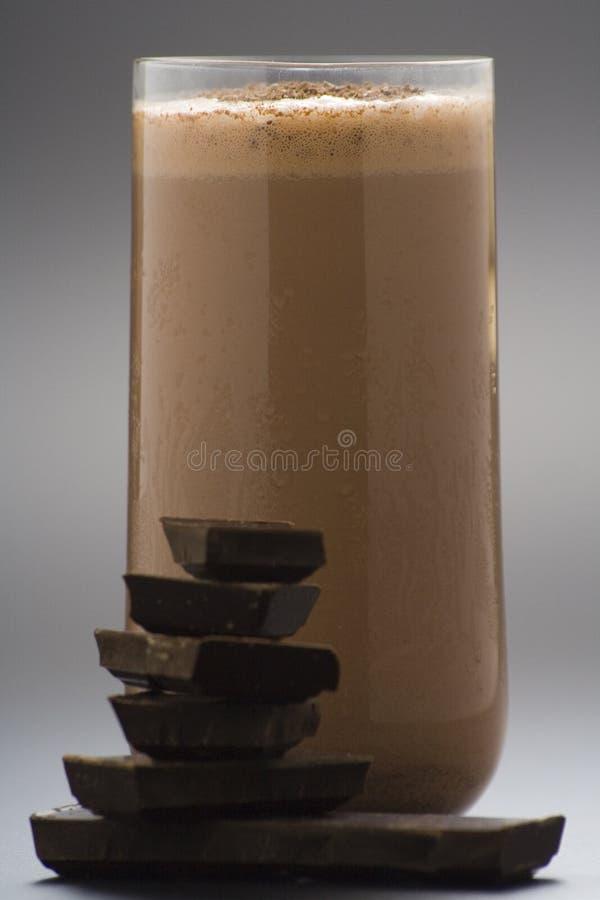Scossa di cioccolato di rinfresco con cioccolato Birutes fotografia stock